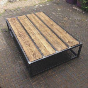 שולחן סלון עץ עם מדף תחתון